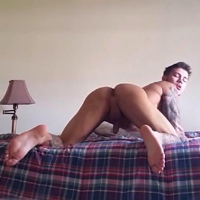 Horny Gay Guy Dildoing His Butt