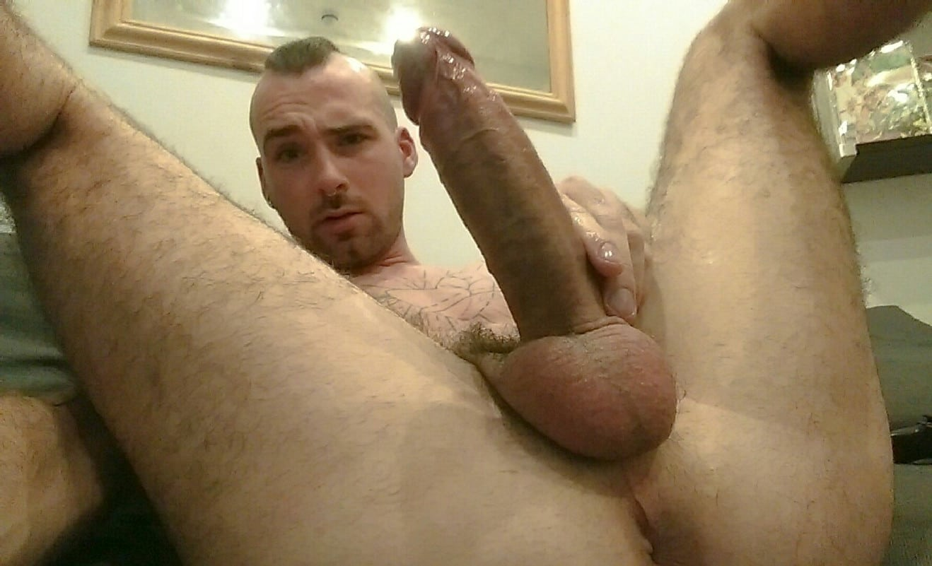 Gay Cam Man With A Hard Penis - Nude Horny Men