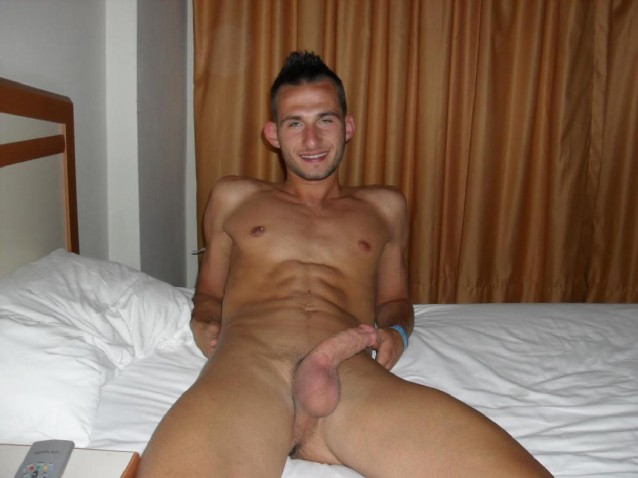 Raunchy Gay Guy Abusing Himself In Bed